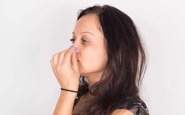 پیرسینگ  پیرسینگ بینی طریقه مراقبت از پیرسینگ بینی 2 16